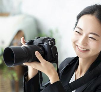 笑顔のカメラマン
